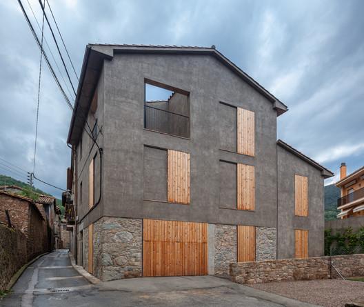 La última casa  / Arnau estudi d'arquitectura