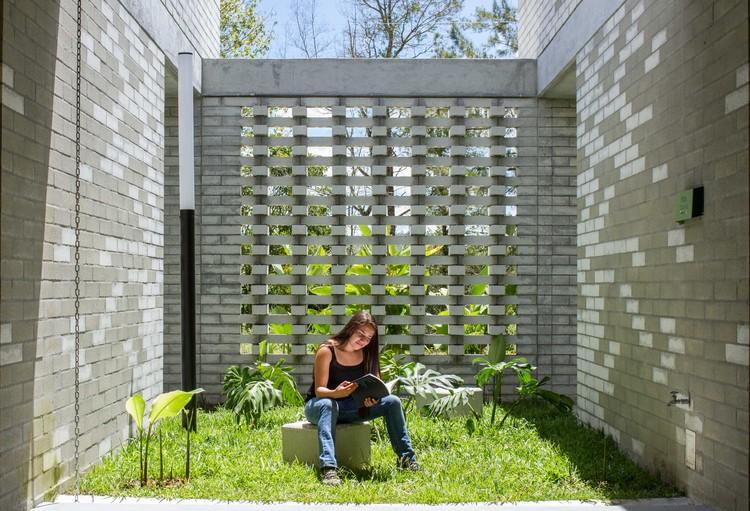 Ventilación y sombra: muros permeables en la arquitectura de Colombia, © Sebastián Giraldo