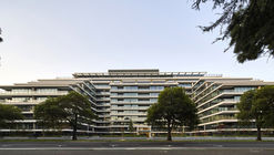 The Eastbourne Residential Complex / Bates Smart