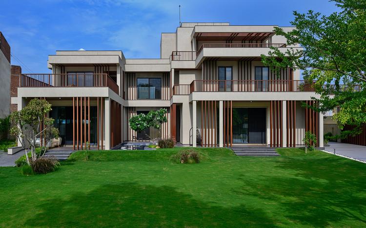Mani Bungalow / SEZA Architects & Interior Designers, © Dinesh Mehta