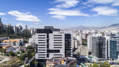 Torre Seis / Diez + Muller Arquitectos