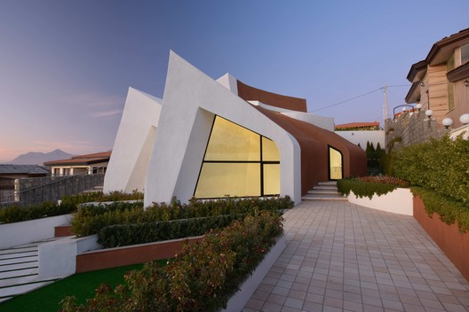 High Hopes Villa / Mahyar Architects