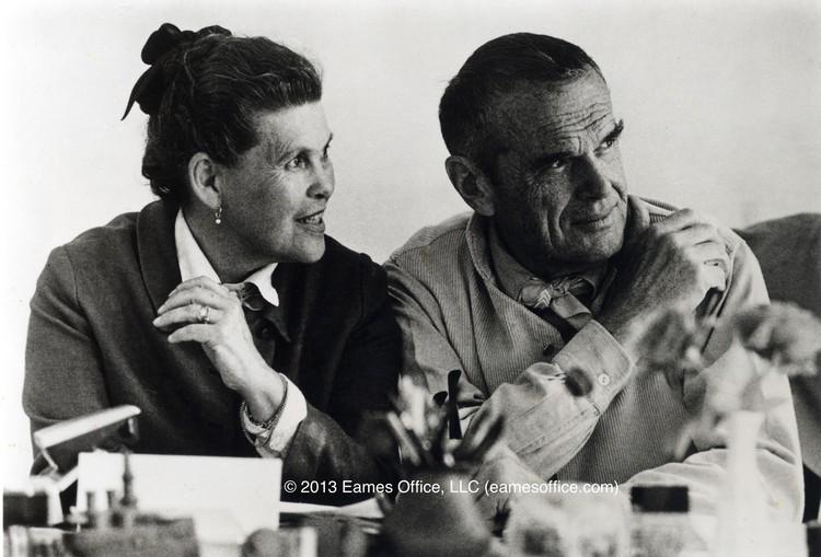RIBA revela el discurso de aceptación de Ray Eames, primera mujer en recibir la Medalla de Oro, Ray and Charles Eames. Image Courtesy of Eames Office