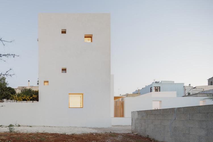 Casa da Torre Branca / Dosarchitects, © Carlo Carossio