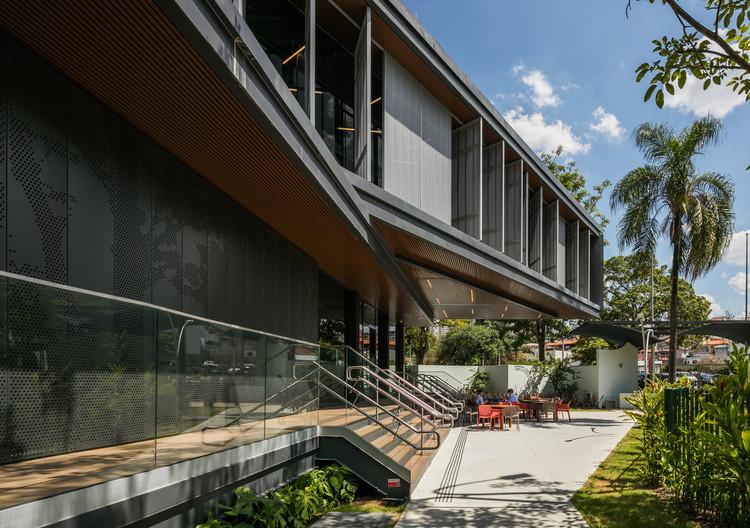 Módulo de Academia e Lanchonete / DMDV arquitetos, © Nelson Kon