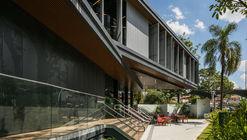 Módulo gimnasio y cafetería / DMDV arquitetos