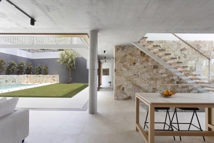 Amaroo House / Alexandra Buchanan Architecture, © Villa Styling
