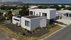 House 4AK / Swansilva Architecture