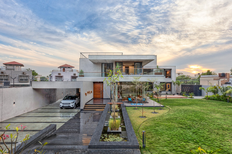 Verandah House / VPA Architects, © Inclined Studio