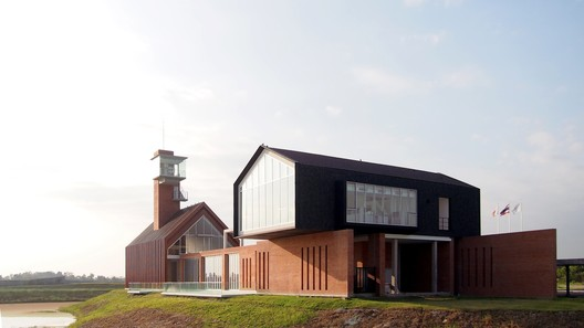 The Malt Whiskey Distillery / Ani Design