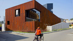 Wall House / Abin Design Studio