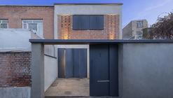 Khaneye Hayatdar House / 4 Architecture Studio