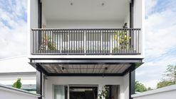 Casa Prim / Studio Locomotive