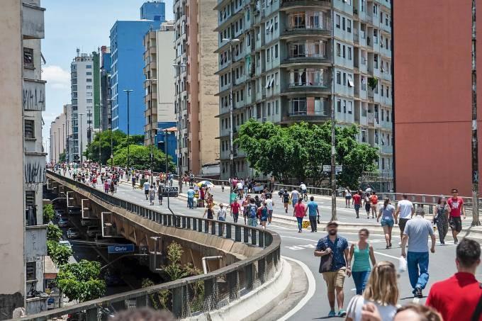 Prefeitura de São Paulo abre concorrência para projeto de acessos de pedestres no Minhocão, Foto © Joel Nogueira / Fotoarena / Divulgação
