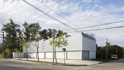 Locales comerciales Montegrande / Sava Arquitectos