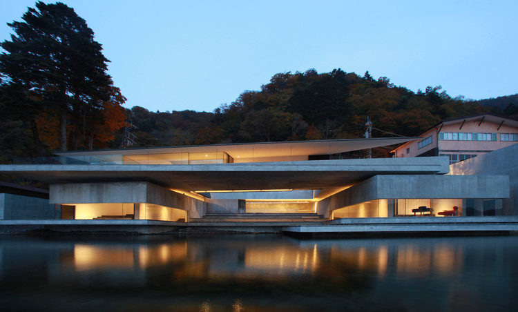 On The Water House / Nikken Sekkei, © Gankosha, Harunori Noda