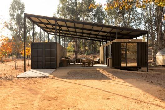 Casa Abierta Container / Plannea Arquitectura + Constanza Domínguez C.