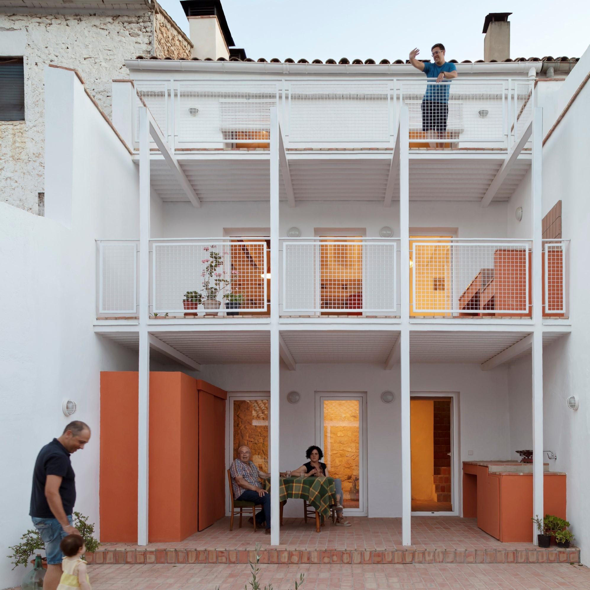 DOM House / CRUX arquitectos