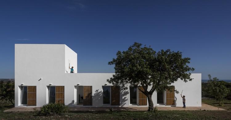 Algarve House / tip architects, © Fernando Guerra | FG+SG
