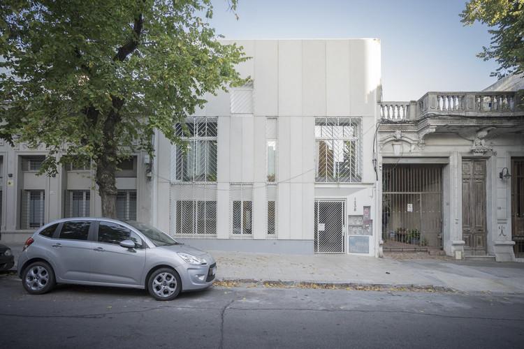 Guapa Cordon Sur Apartments / Mola Kunst + Mateo Nunes Da Rosa, © Ignacio Correa, The propio
