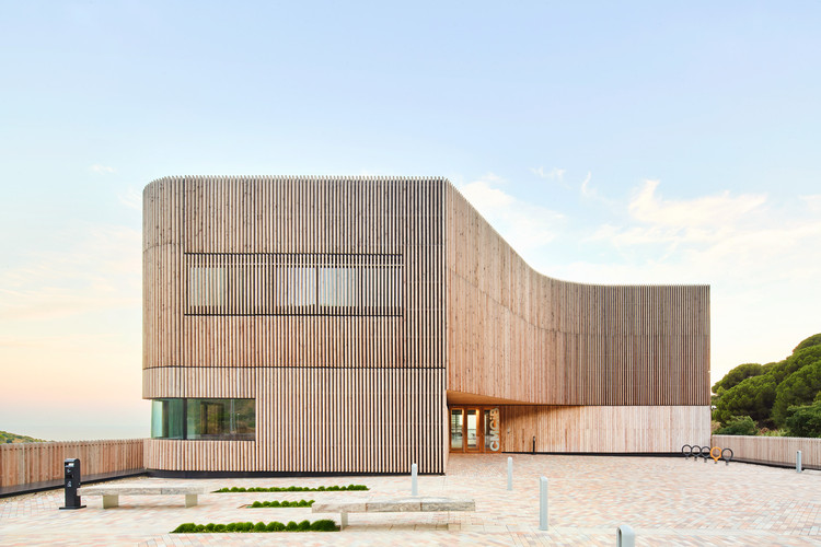 Centro de medicina comparativa y bioimagen / Calderon-Folch Studio, © José Hevia