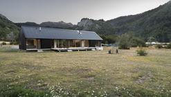 Refugio en Malalcahuello / Iragüen Viñuela Arquitectos