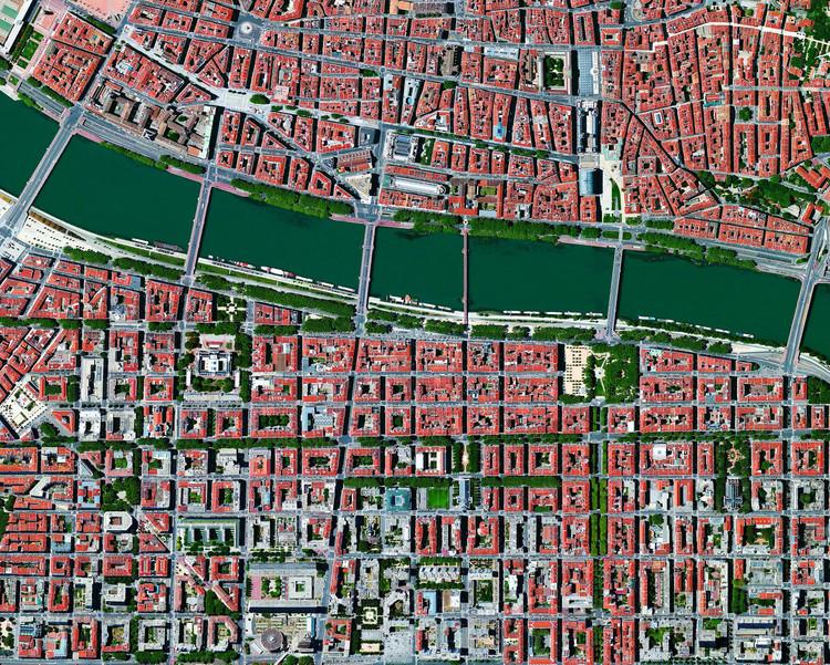 Jardines, parques y bulevares: fotografías satelitales de espacios verdes en centros urbanos, Lyon, Francia. © Daily Overview
