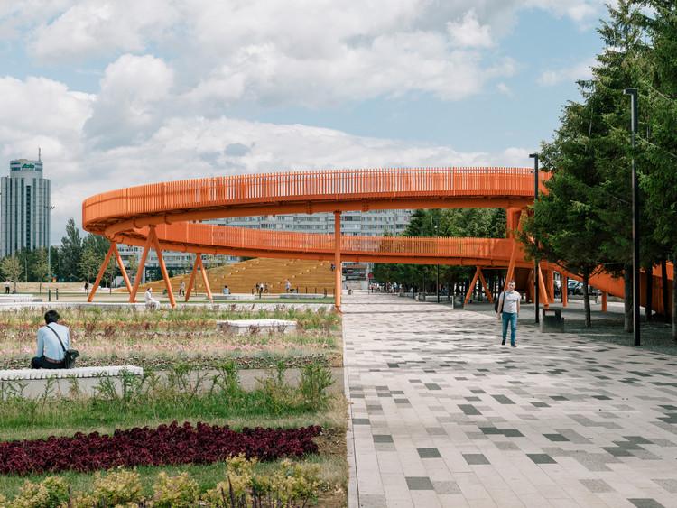 Plaza Azatlyk / DROM, © Evgeny Evgrafov