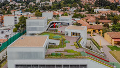Ampliación Colegio Helvetia Bogotá / El Equipo Mazzanti