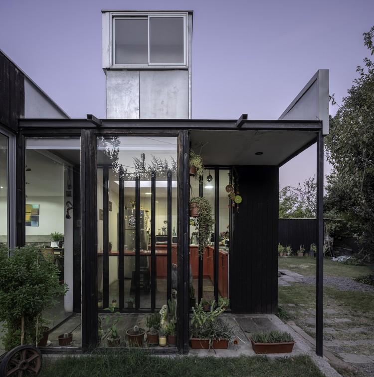 Casa Lucarnas / Paula Aravena + Rodolfo Cañas + Hans Madariaga, © Aryeh Kornfeld