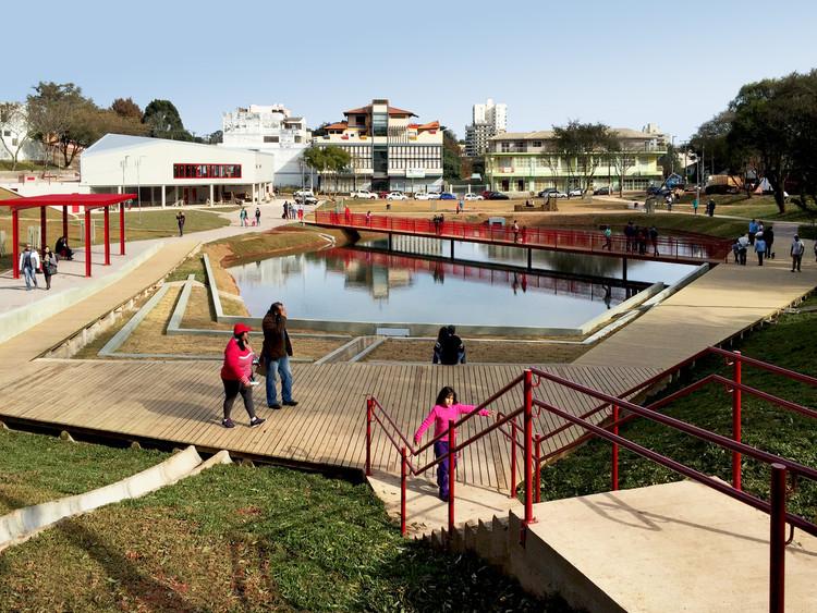 ONU lança publicação online sobre parques urbanos com perspectiva de gênero, Parque da Gare / IDOM. Imagem © Pau Iglésias