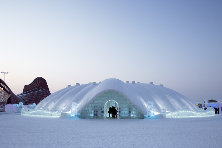 Ice Restaurant, The 21st ICE& SNOW WORLD / International Ice Snow Architecture Innovation Research Center + Architecture School, Harbin Institute of Technology, © Peng Luo, Shuxiang Wei
