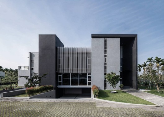 Bitonic House / Zhucun Design