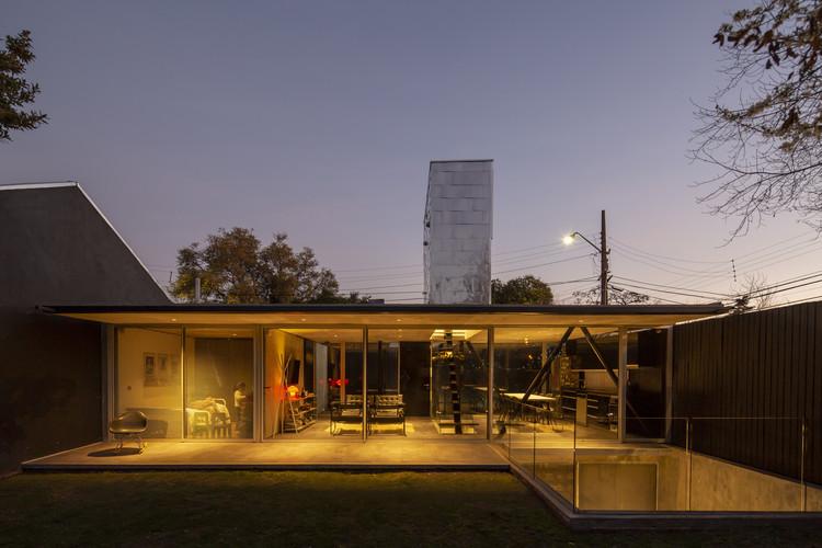 Mogro House (or Skylight House) / Rodolfo Cañas, © Aryeh Kornfeld