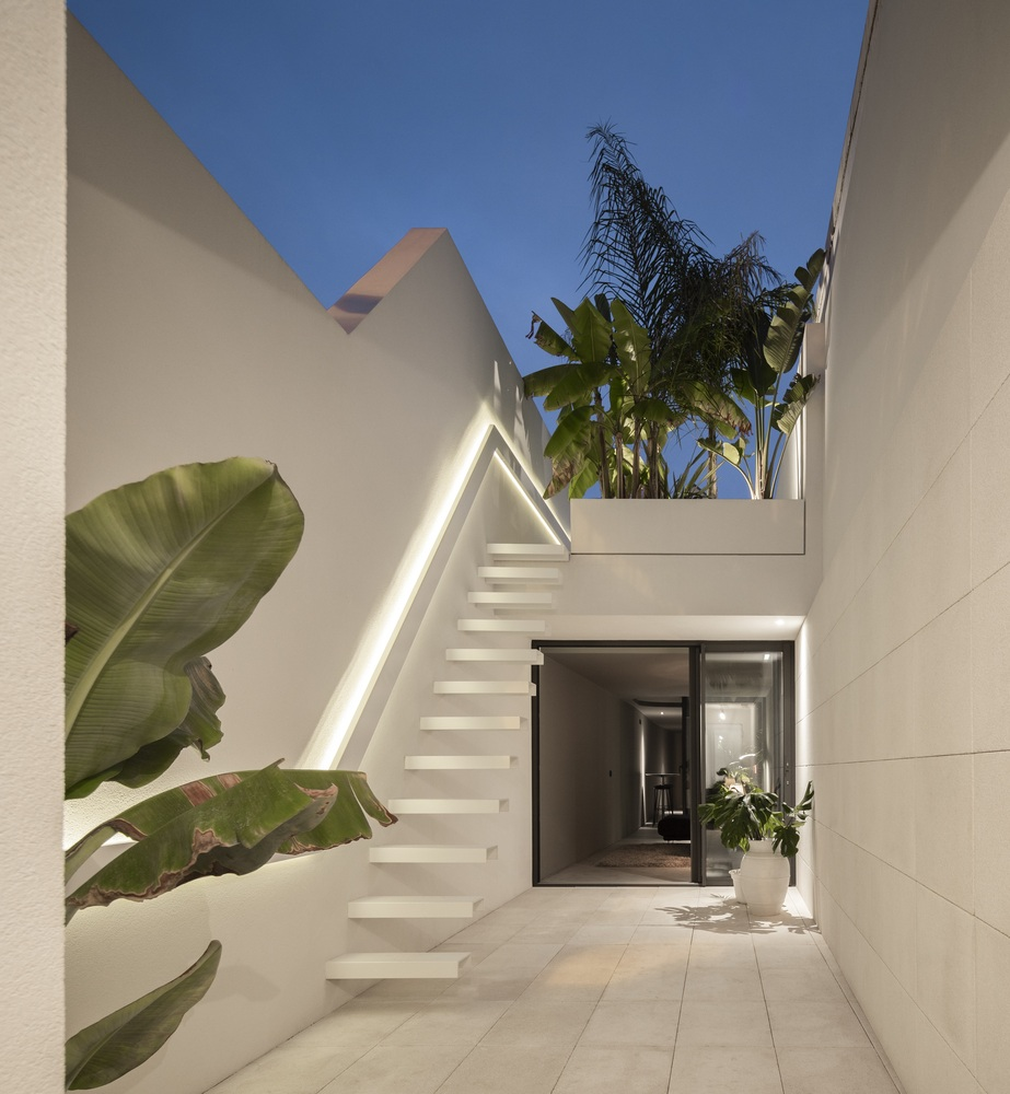 Beira Mar House / Paulo Martins Arq&Design