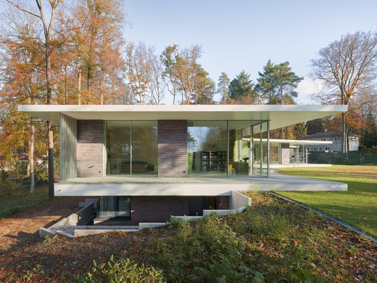 New Build Villa / BUERO BECHTLOFF
