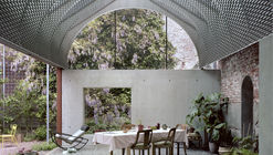 Room in the City / 51N4E