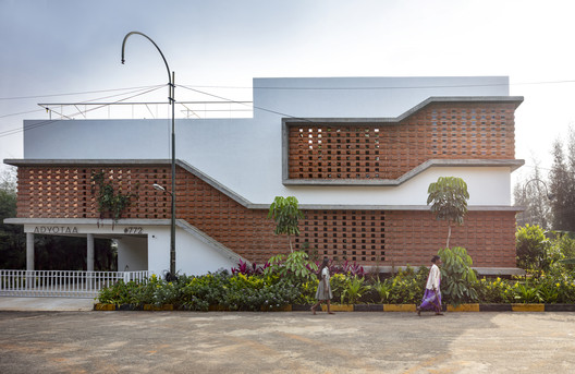 Inside Out House / Gaurav Roy Choudhury Architects GRCA