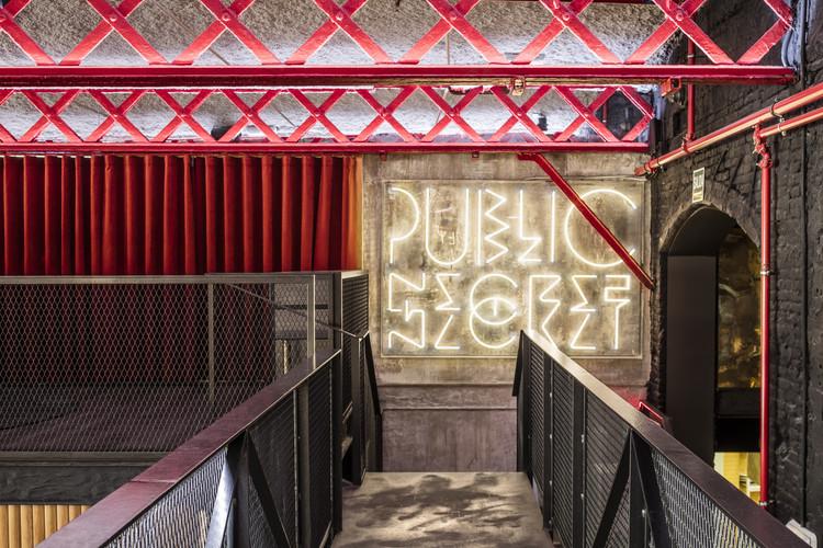 EL MAMA & LA PAPA Bar Restaurant / El Equipo Creativo. Image © Adria Goula