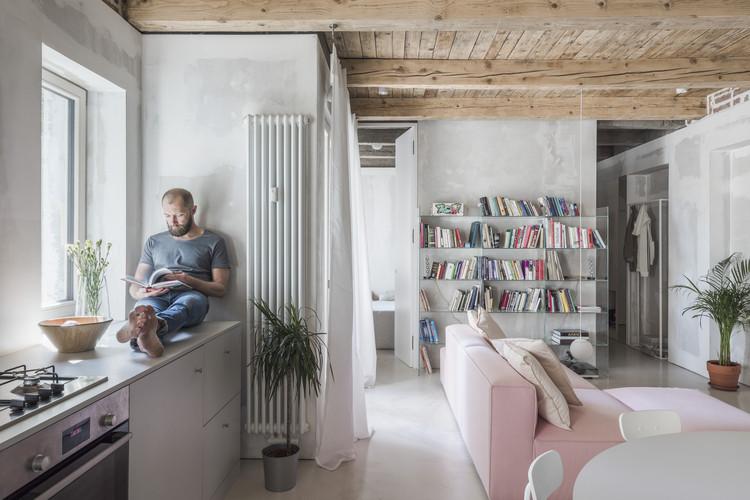 Apartment Svätoplukova / Kilo / Honc, © Matej Hakár