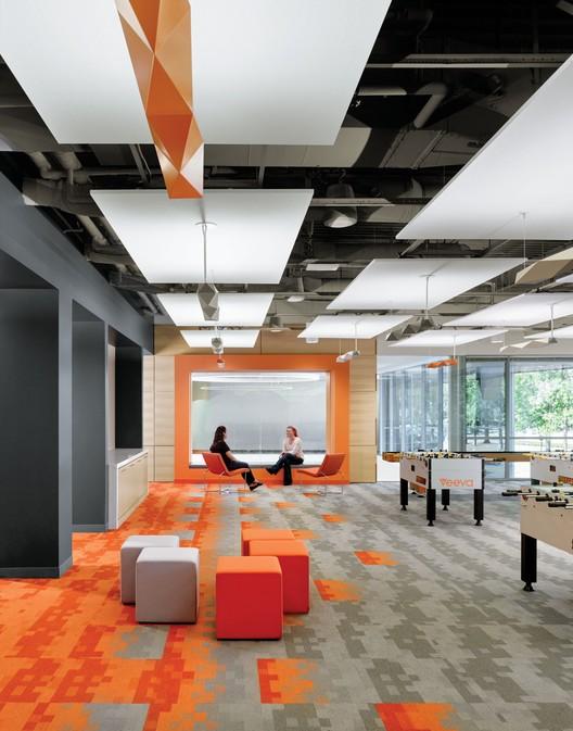 Incorporando la acústica adecuada en proyectos con estructuras expuestas, Cortesia de Armstrong