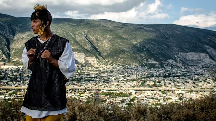 """""""Ya no estoy aquí"""": la película que retrata el territorio negado de Monterrey, México, """"Ya no estoy aquí"""" dirigida por Fernando Frías. Image © Netflix"""
