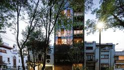 Edificio Torre 61 / JJRR/Arquitectura