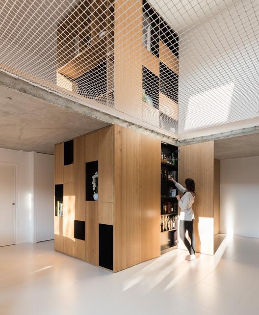 Around the Net House / MARTINS AFONSO atelier de design + l'atelier miel