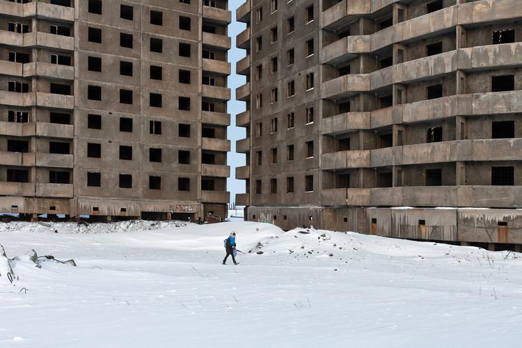 Concreto en Siberia: una visión de la arquitectura moderna soviética, Microdistrito Oganer en la ciudad de Norilsk.  Imagen © Zupagrafika