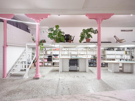 Bureau's Office / Daniel Zamarbide