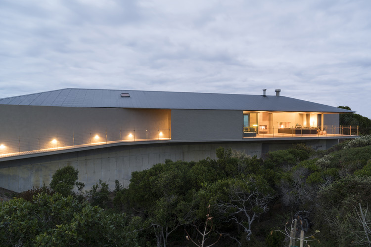 Floating Dune House / Slee & Co Architects, © Peartree Photography