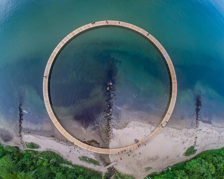 Arquitetura no mar: 9 projetos relacionados com o oceano, A Ponte Infinita / Gjøde & Povlsgaard Arkitekter. Imagem: © Aarhus I Billeder