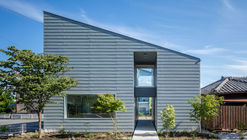 House in Shibukawa / SNARK + Ouvi