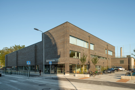 Hjorthagen Sports Hall / AIX Arkitekter
